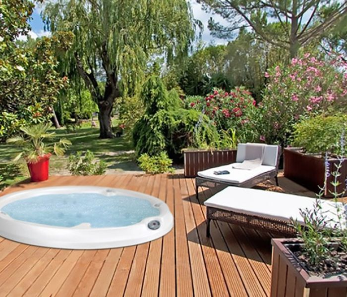 Jacuzzi® Hot Tub Deck Lawn Western New York